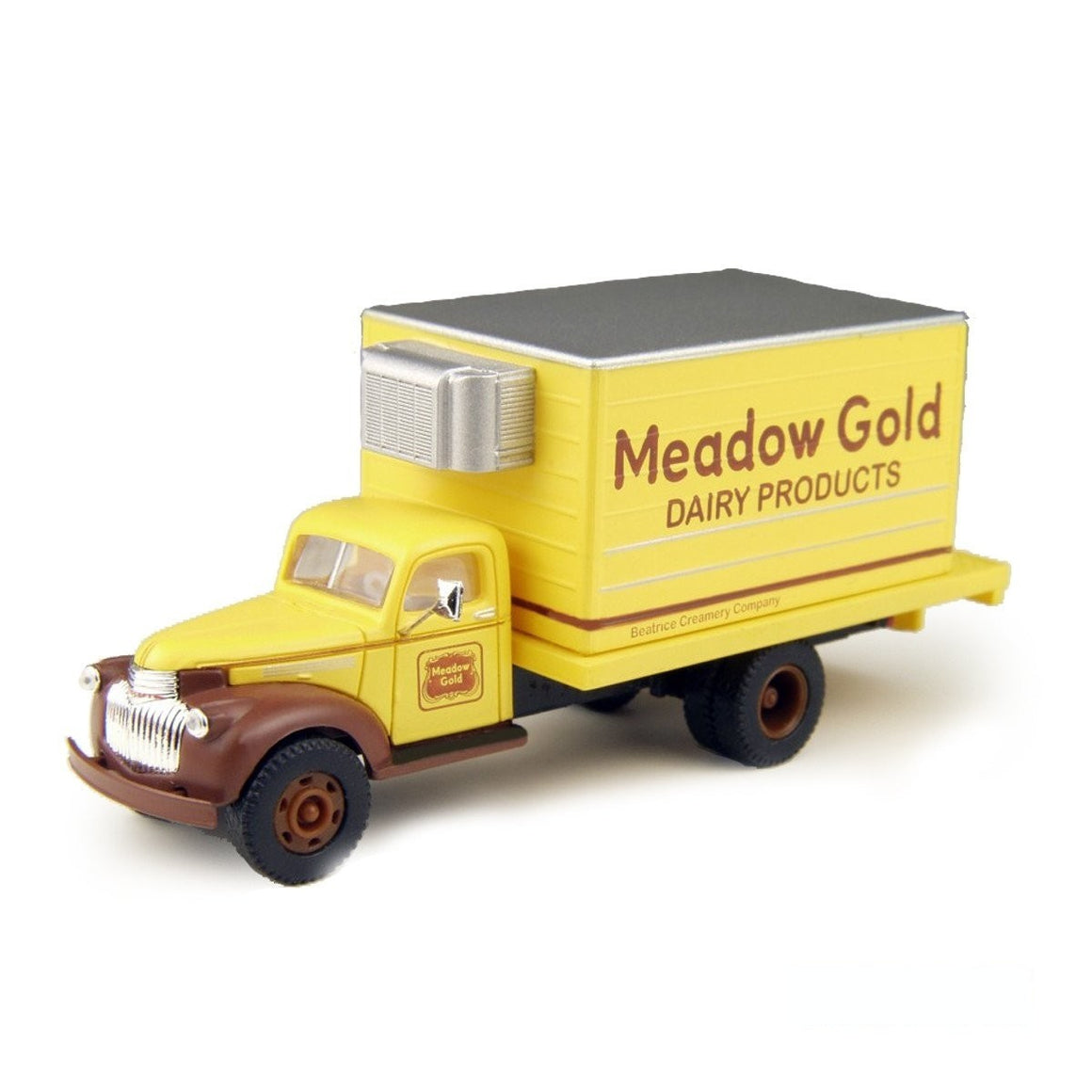 HO Scale: 1941-46 Chevy Box Truck - Meadow Gold