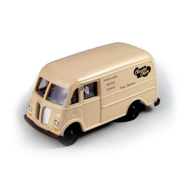 HO Scale: 1940/50s International Harvester Metro Delivery Van - Charles Chips