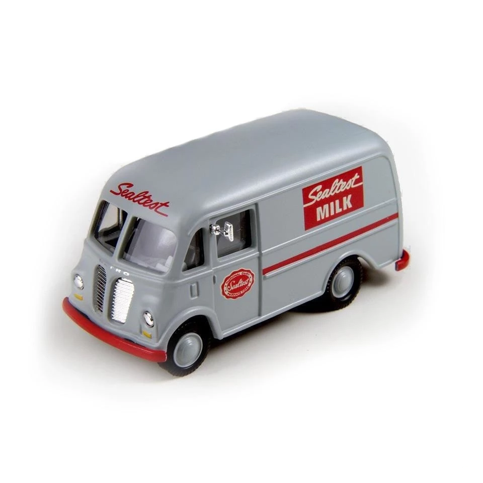 HO Scale: 1940/50s International Harvester Metro Delivery Van - Sealtest Milk