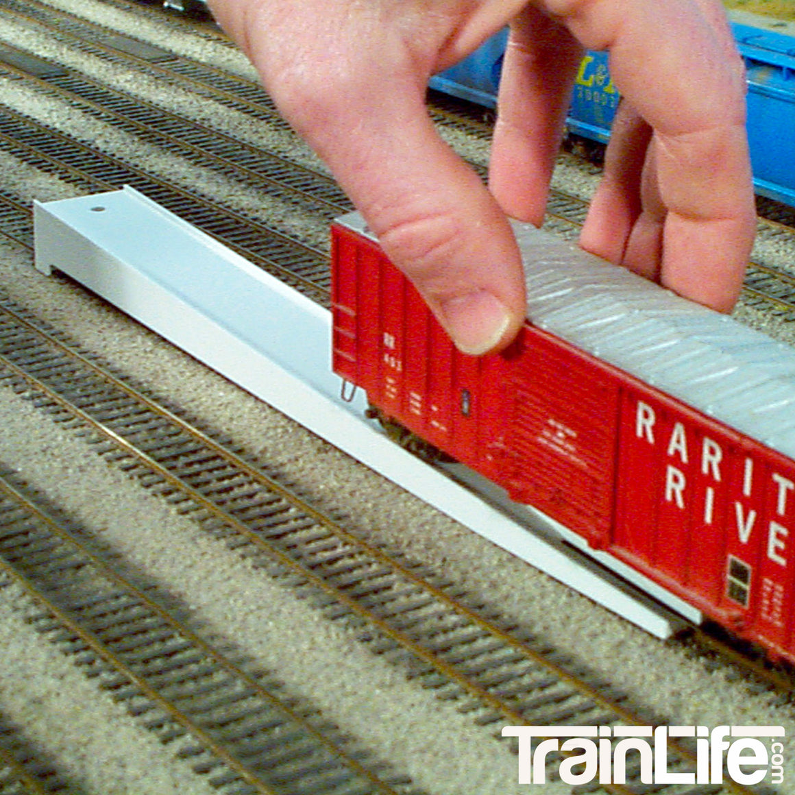 N Scale: Rix Rail-it Rerailing Ramp