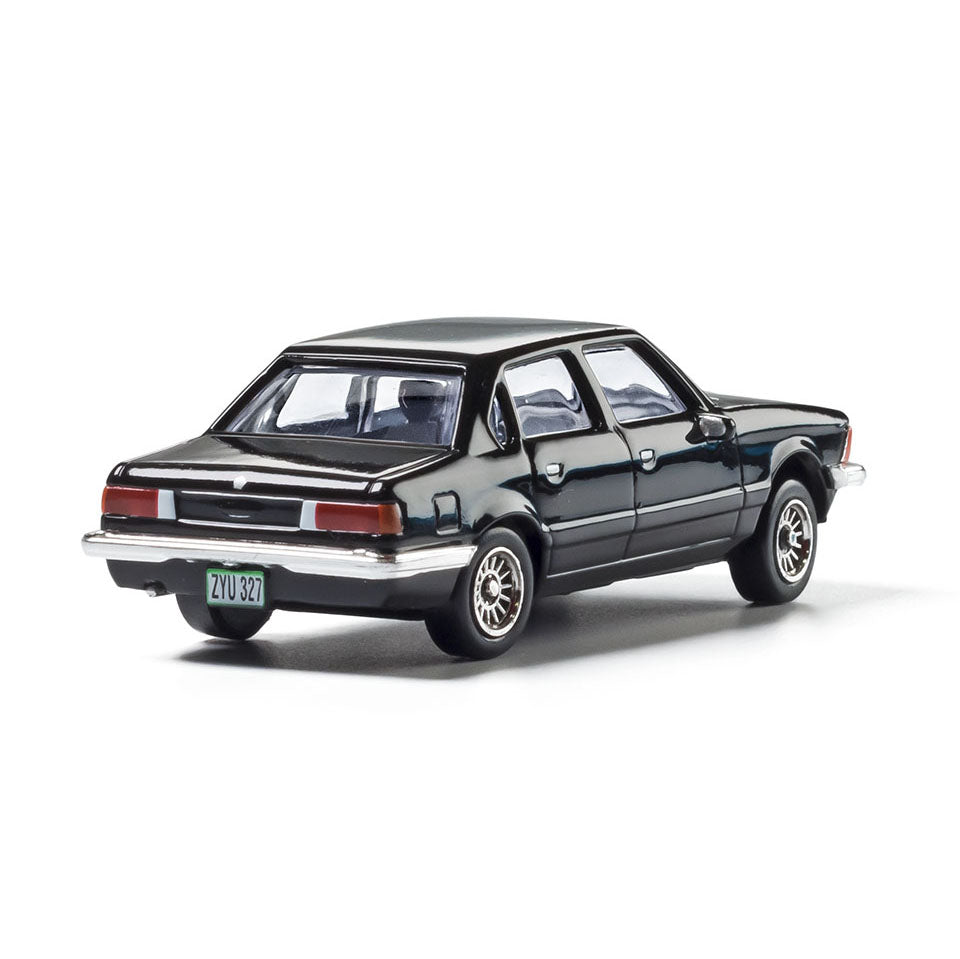 HO Scale: Modern Era Sedan - Black