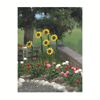 HO Scale: Sunflowers & Roses w/ Water Pump & Trough