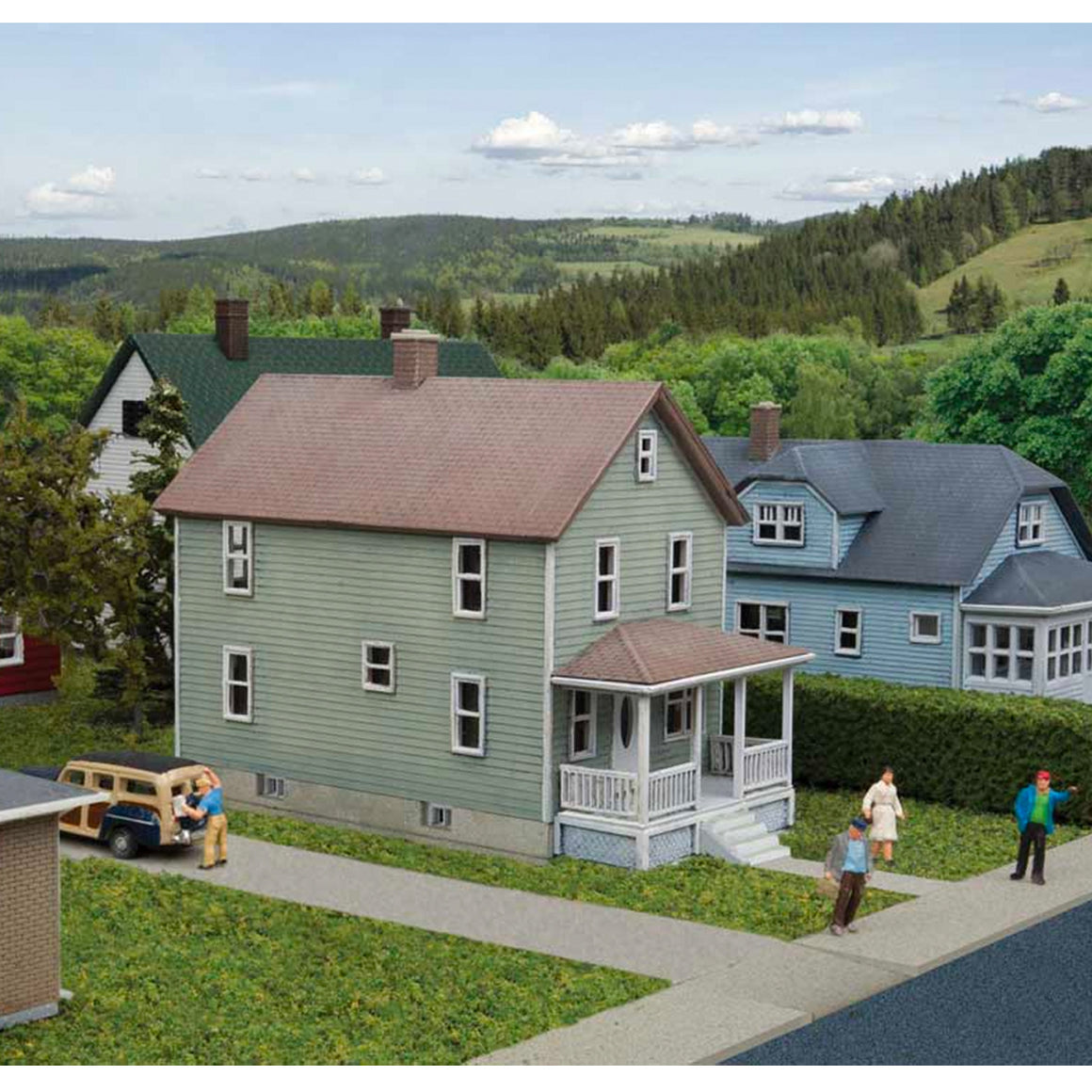 N Scale: 2-Story Framed House - Kit