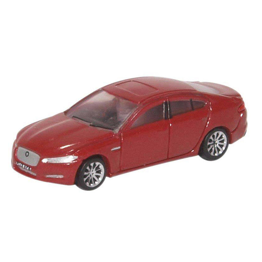 N Scale: 2015 Jaguar XF Sedan - Carnelian Red