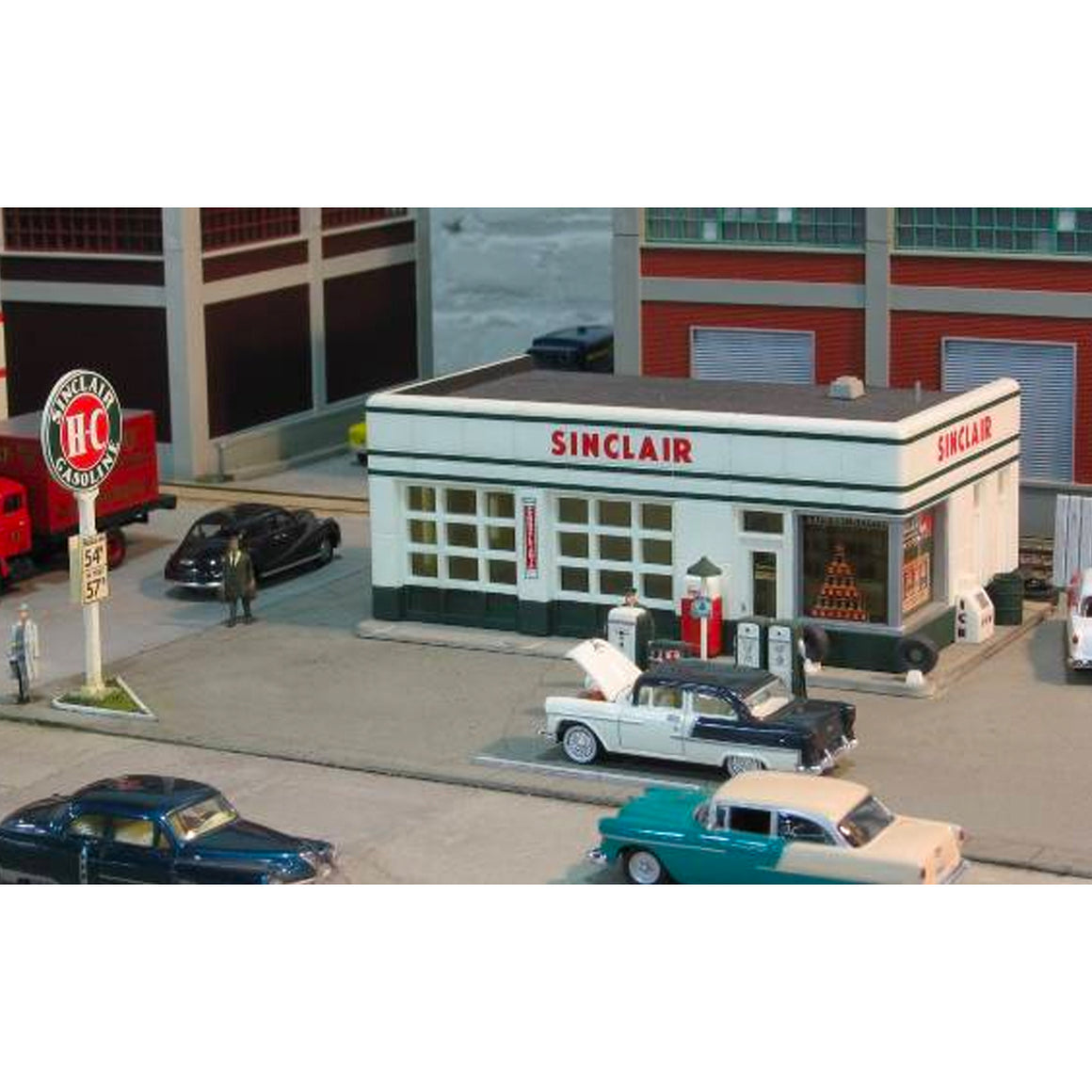 HO Scale: Crafton Avenue Service Station - Kit
