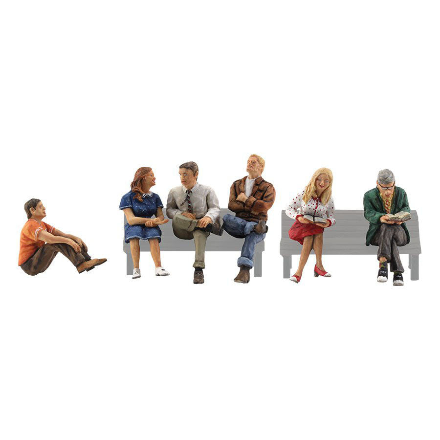 N Scale: People Sitting