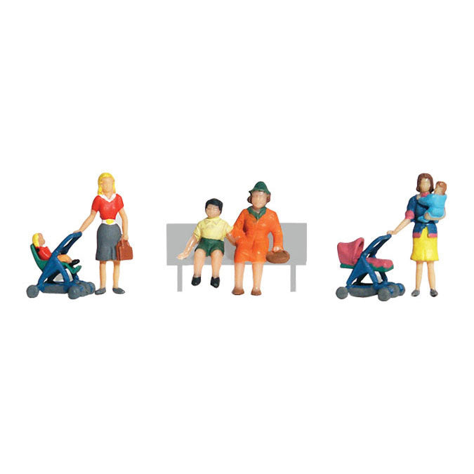HO Scale: Moms & Kids