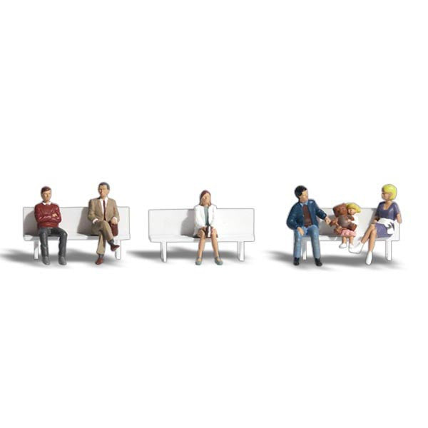 N Scale: Bus Stop People