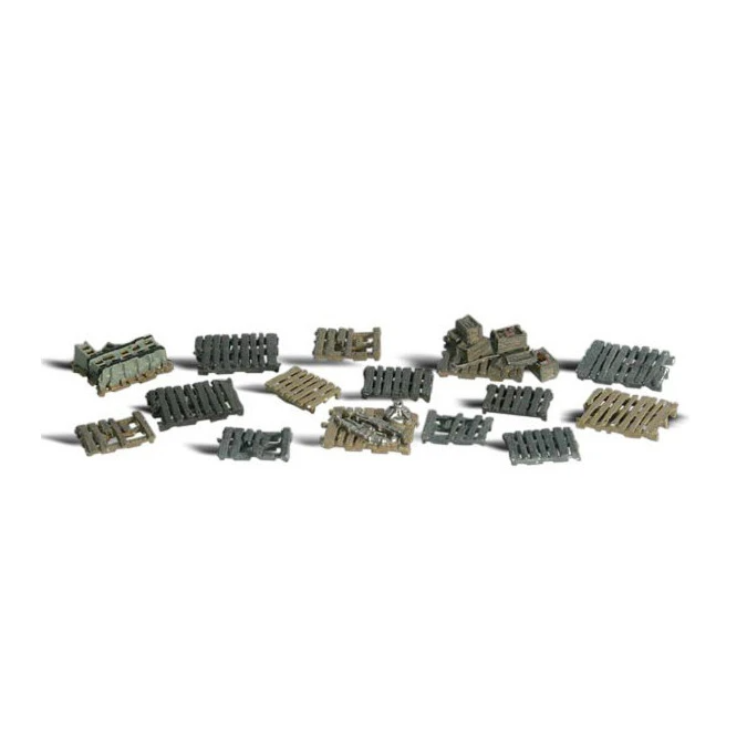 N Scale: Assorted Skids and Pallets