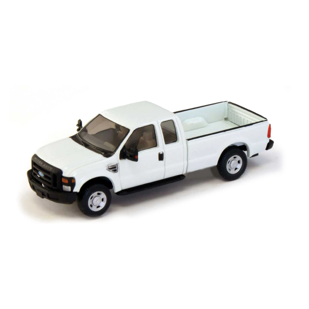 HO Scale: 2008 Ford F-250 Super Duty 4x4 Pickup Truck - Super Cab - Long Box - White