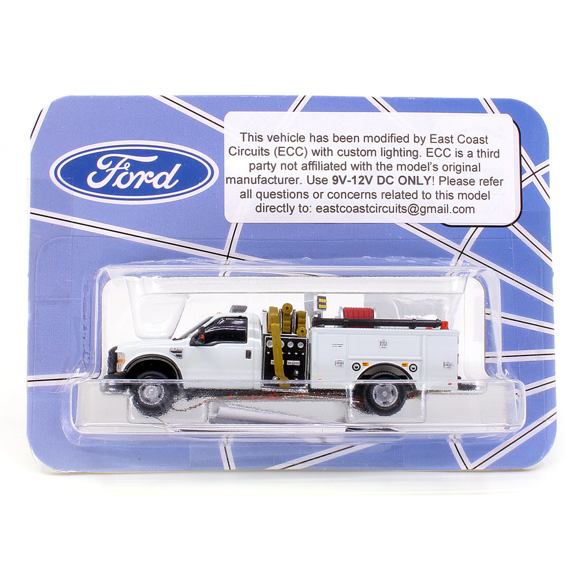 HO Scale: Lighted Ford F-550 - Mini Pumper Fire Truck - White