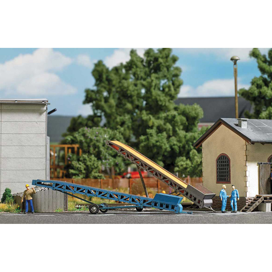 HO Scale: Portable Conveyor Belts - Kit - 2 Pack