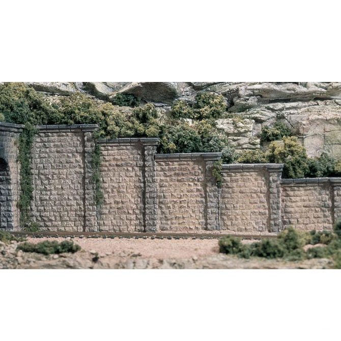 N Scale: Cut Stone Retaining Wall