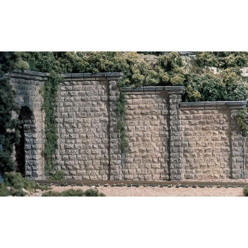 HO Scale: Cut Stone Retaining Wall