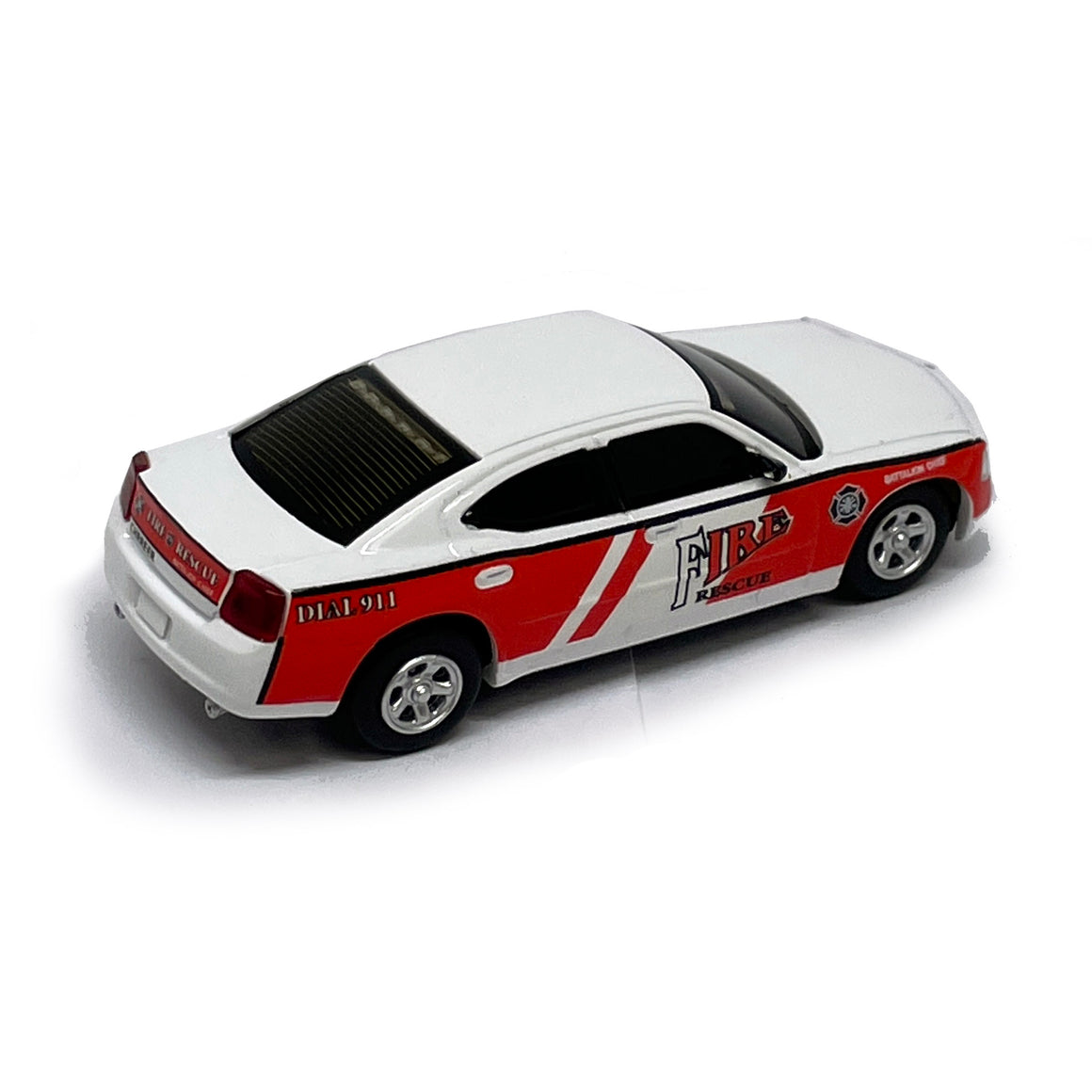 HO Scale: Lighted - Dodge Charger - Fire Chief
