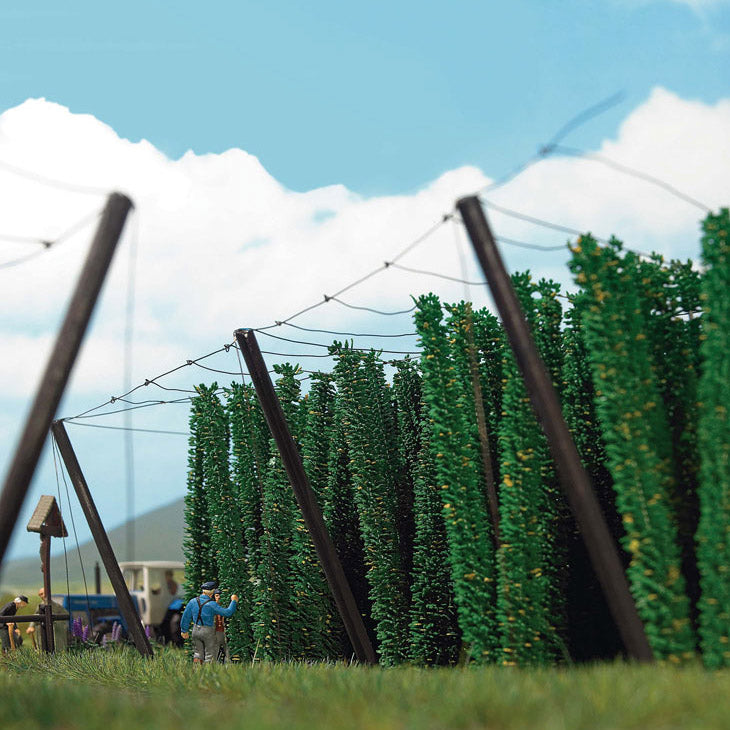 HO Scale: Hops Field