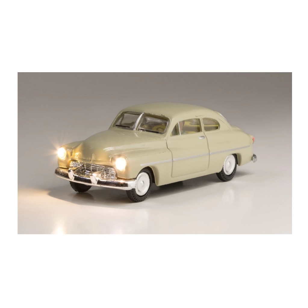 HO Scale: Just Plug® - Lighted Vehicle: City Classic