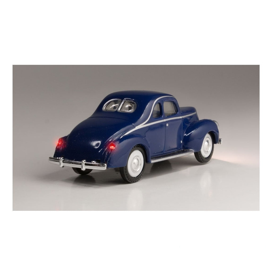 HO Scale: Just Plug® - Lighted Vehicle: Blue Coupe