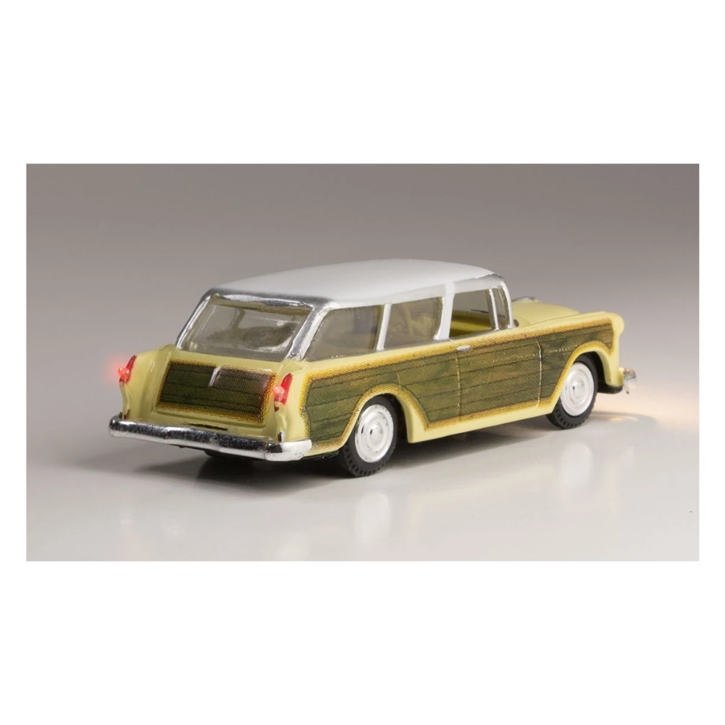 HO Scale: Just Plug® - Lighted Vehicle: Station Wagon