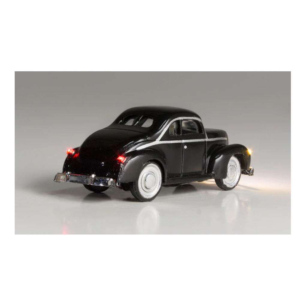 N Scale: Just Plug® - Lighted Vehicle: Midnight Ride