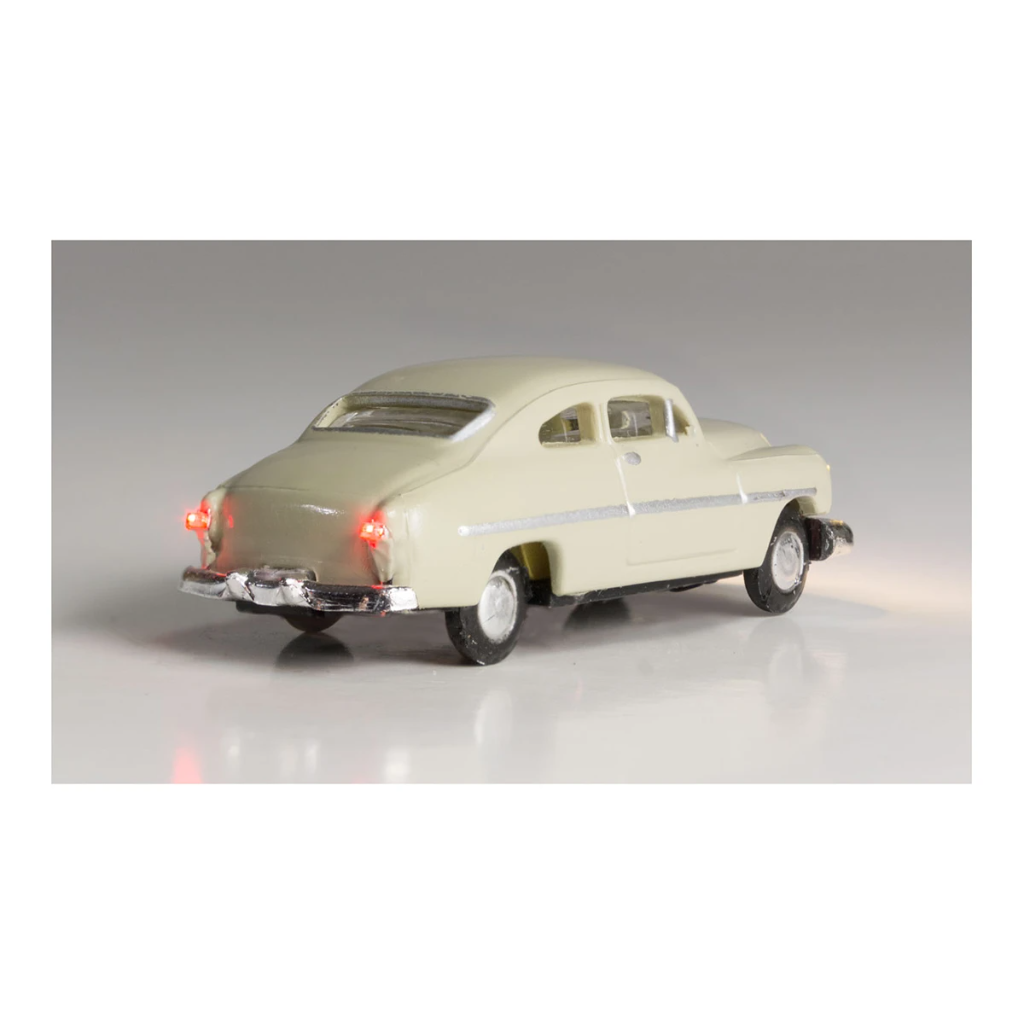 N Scale: Just Plug® - Lighted Vehicle: City Classic