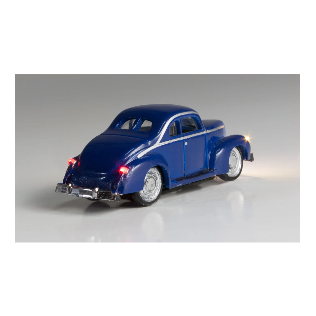 N Scale: Just Plug® - Lighted Vehicle: Blue Coupe