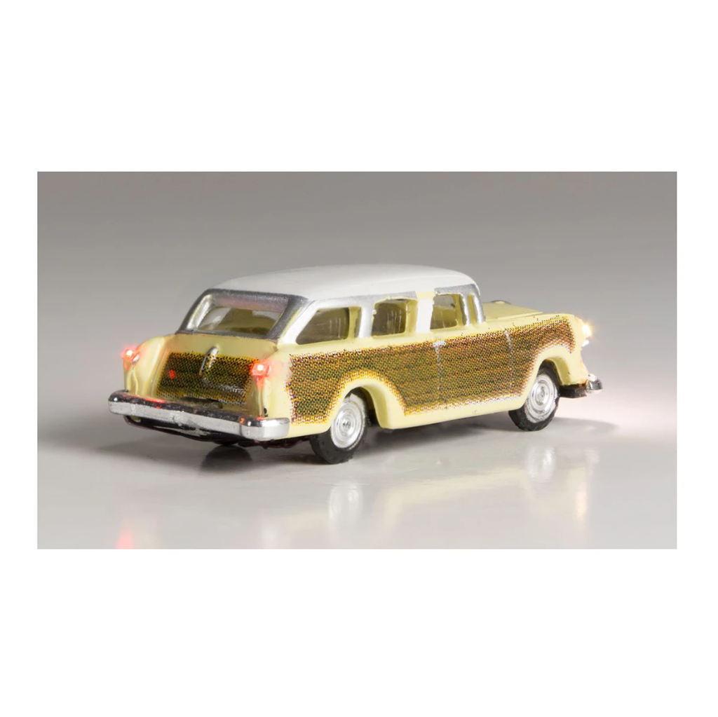 N Scale: Just Plug® - Lighted Vehicle: Station Wagon