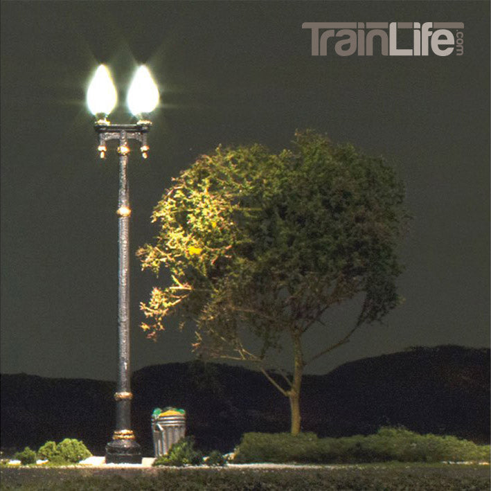O Scale: Just Plug® Double Lamp Post Street Lights