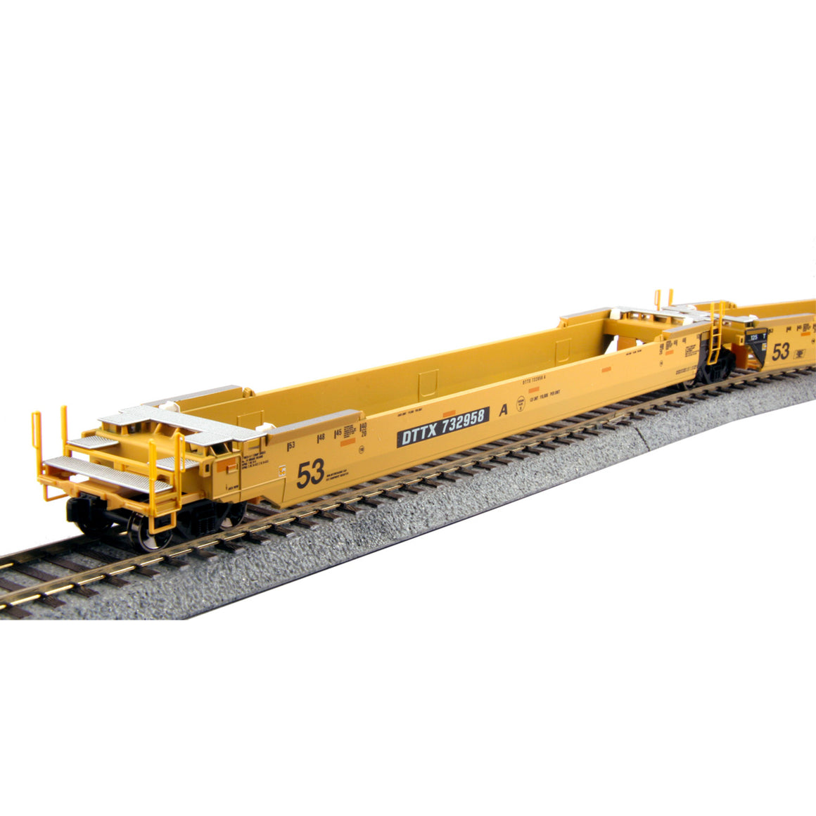 HO Scale: Gunderson Maxi-IV Articulated Well Cars - TTX 'Old Logo'