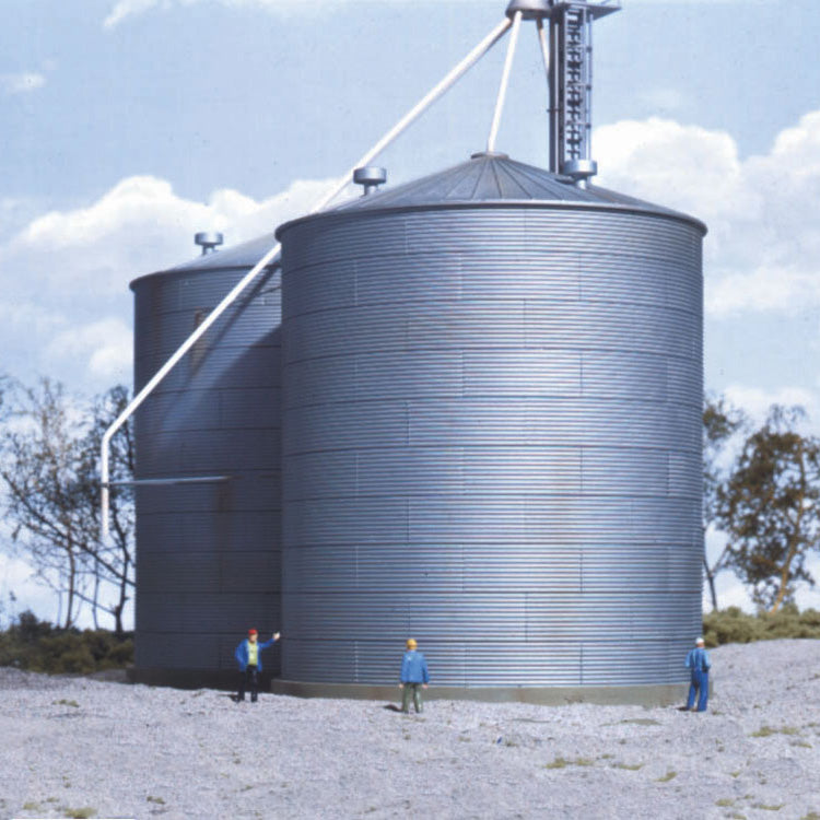 HO Scale: Big Grain Storage Bin - Kit
