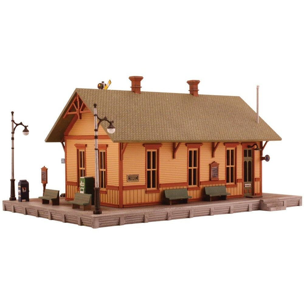 HO Scale: Woodland Station Kit
