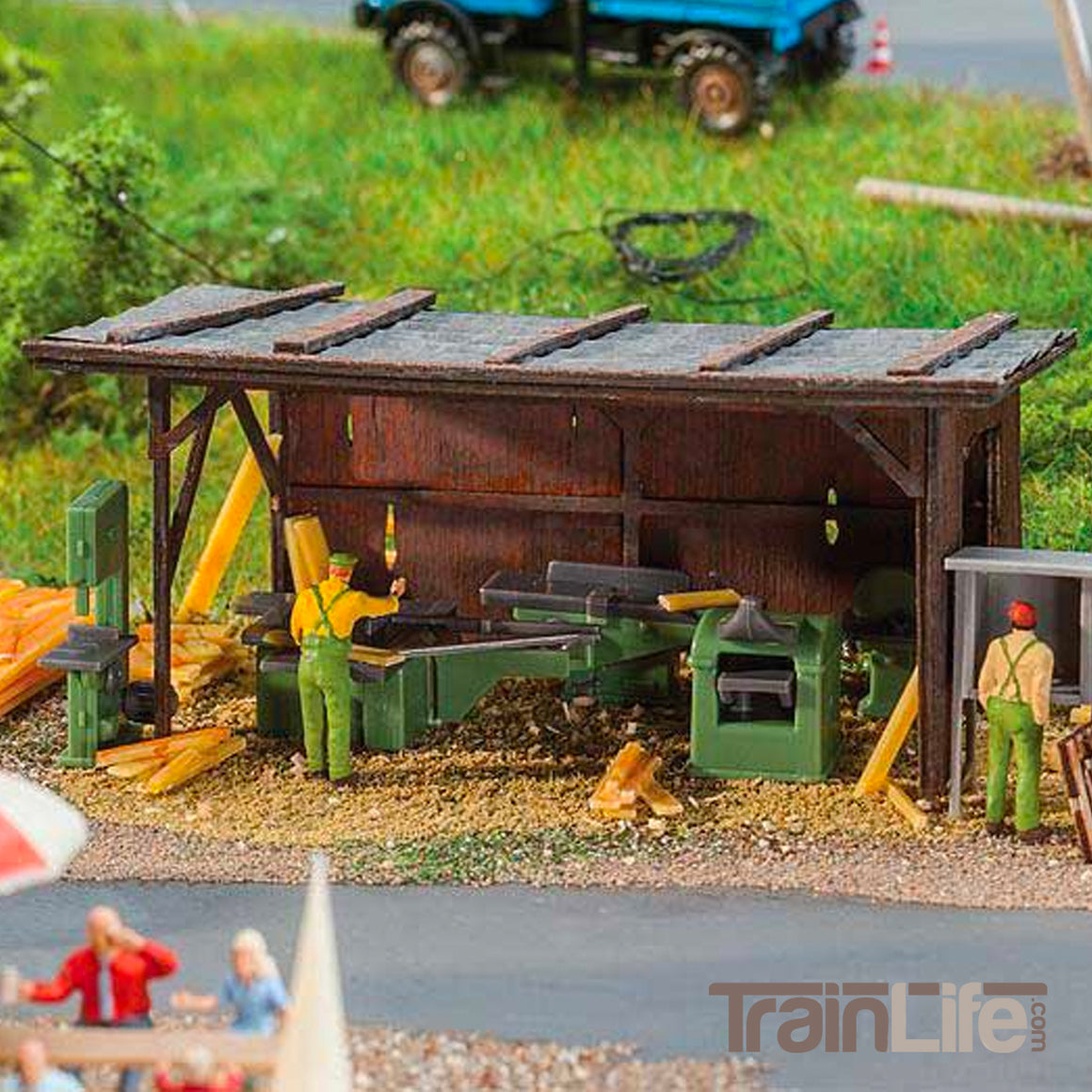 HO Scale: Woodshop Equipment