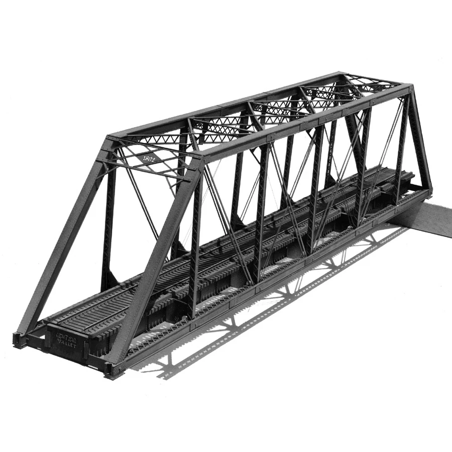 HO Scale: 150 Foot Pratt Truss Bridge - Kit