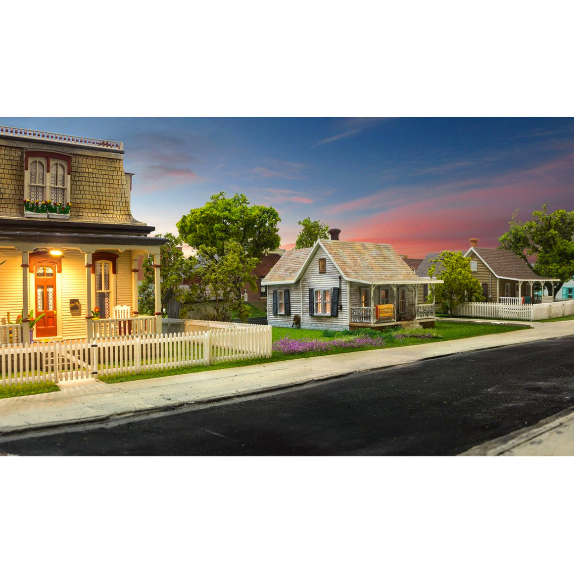 HO Scale: Picket Fence