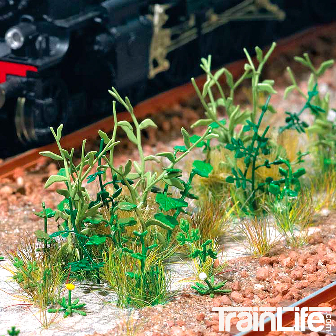 HO Scale: Trackside Weeds - Kit