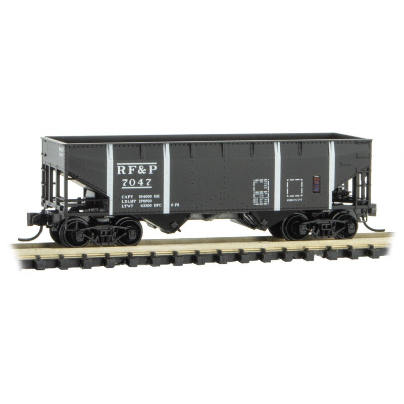 N Scale: 33' Twin Bay Hopper - RF&P