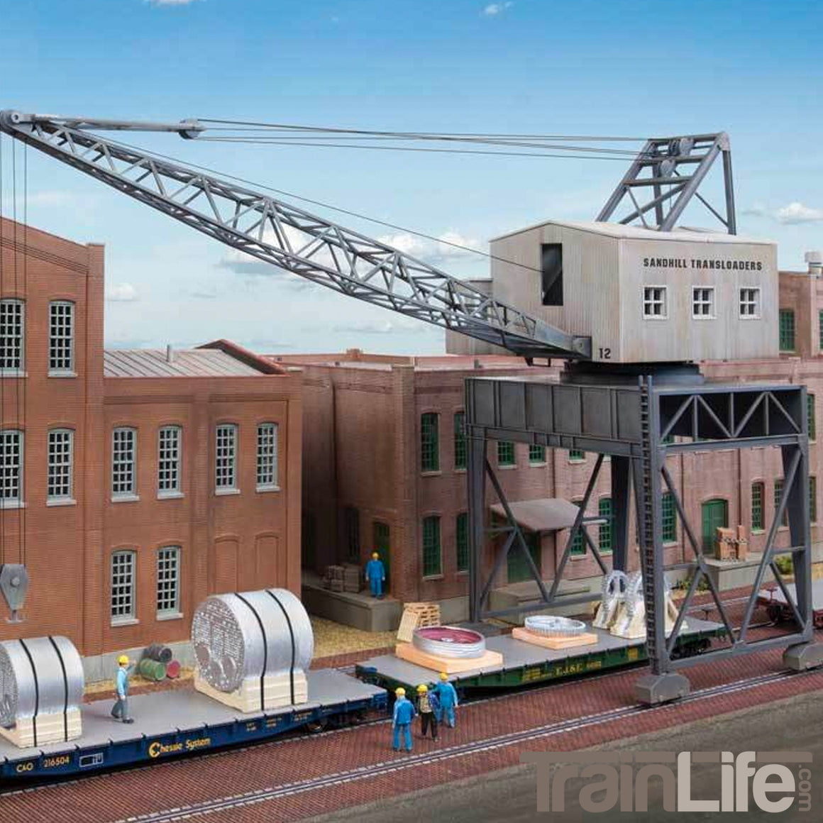 HO Scale: Traveling Crane with Brick Street - Kit