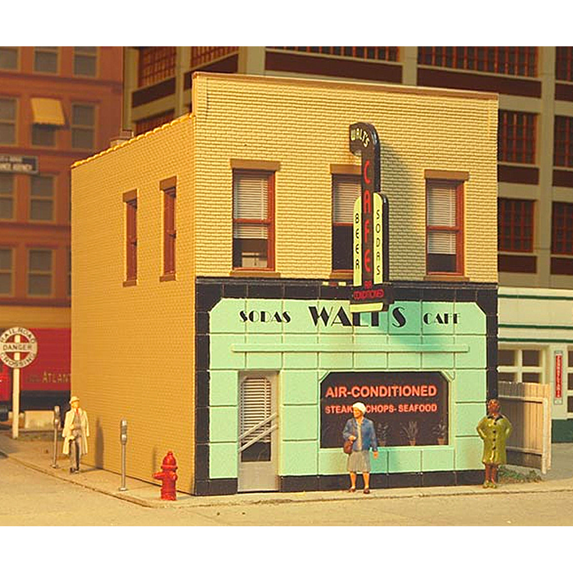 HO Scale: Main Street Cafe - Kit