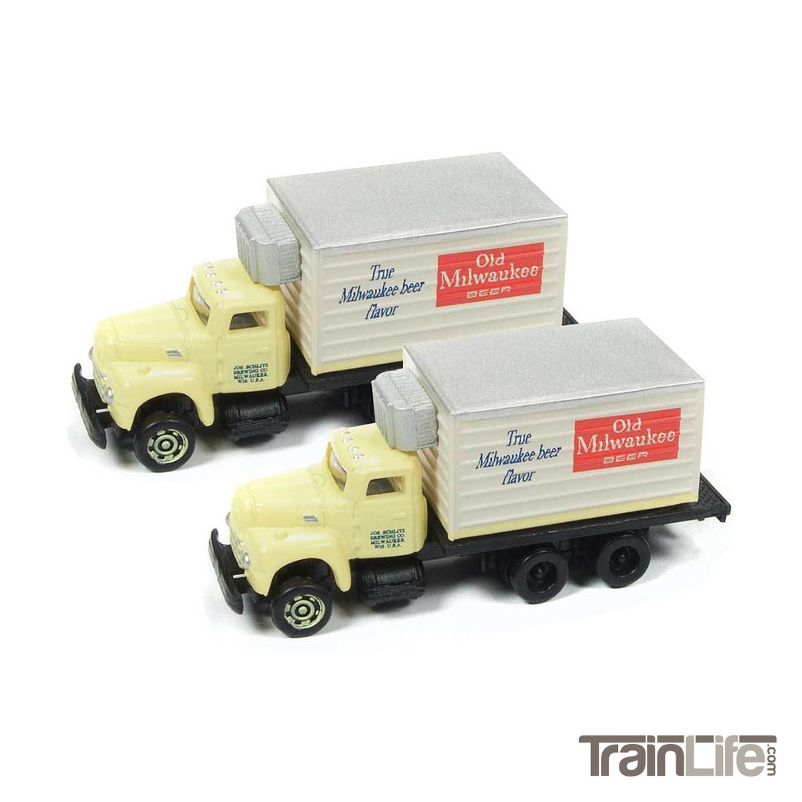 N Scale: IH R-190 Box Delivery Truck - Old Milwaukee Beer - 2 Pack