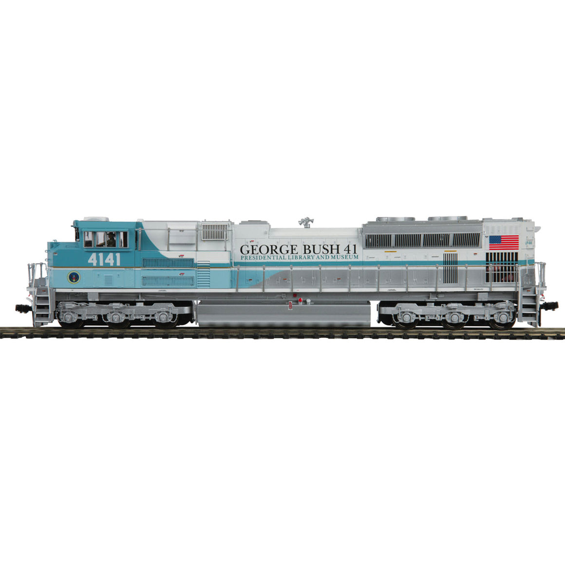 HO Scale: EMD SD70ACE - DCC & Sound - Union Pacific 'George Bush 4141'