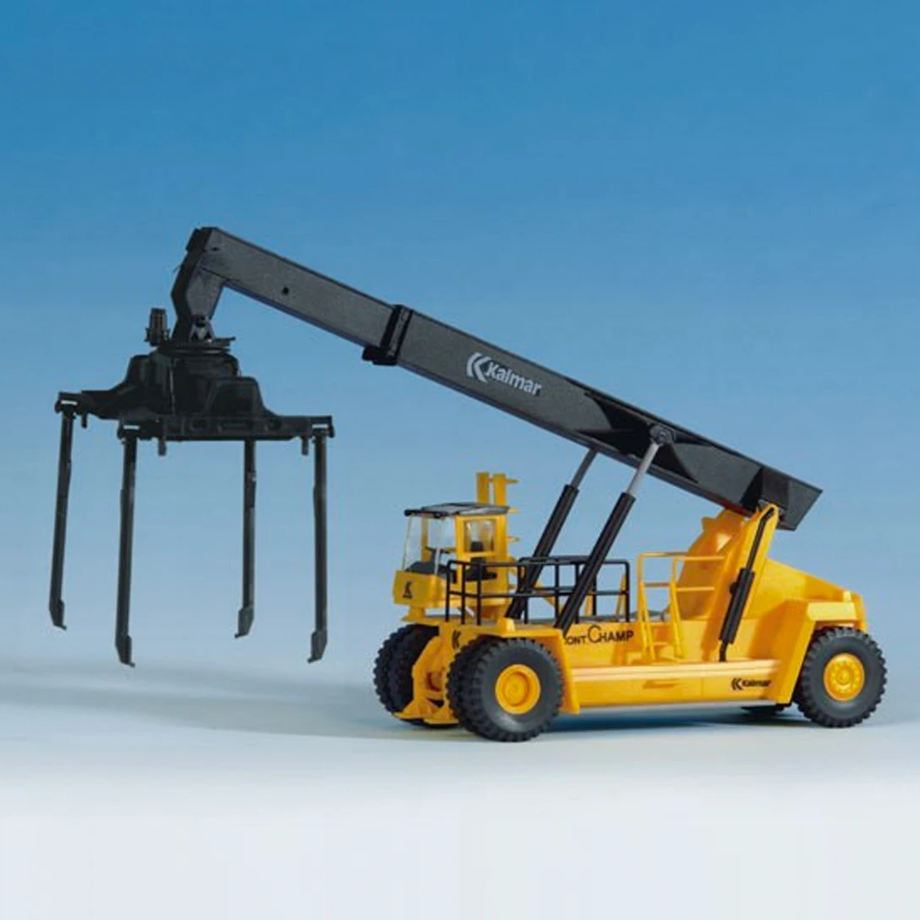 HO Scale: Kalmar Trailer / Container Crane - Kit