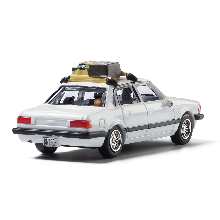 HO Scale: Modern Era Family Vacation Sedan