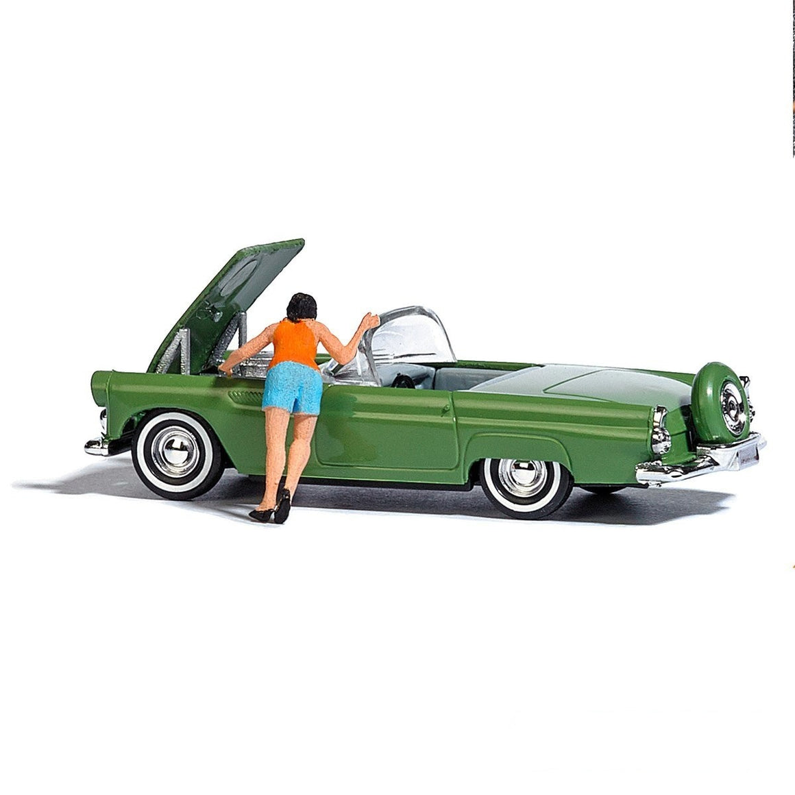 "HO Scale: 1950s Ford Thunderbird -  ""Motor Show"" Complete Scene"