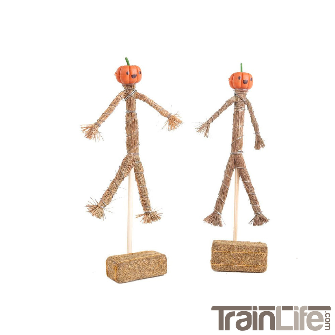 O Scale: Scarecrow and Hay Bales - two pack