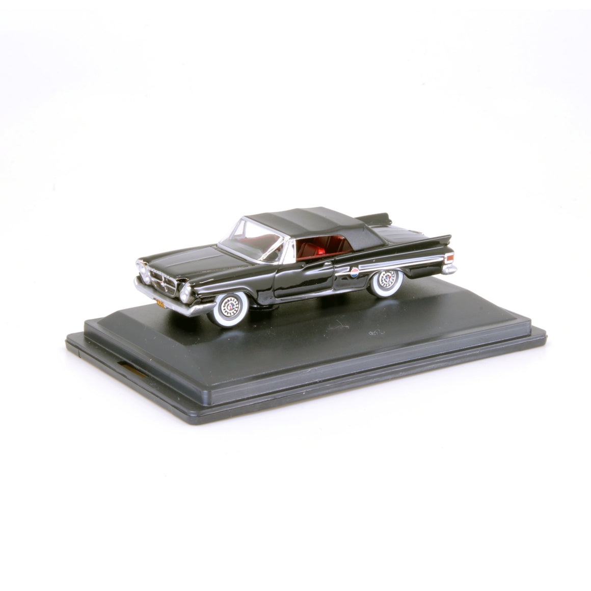 HO Scale: 1961 Chrysler 300 Convertible - Black