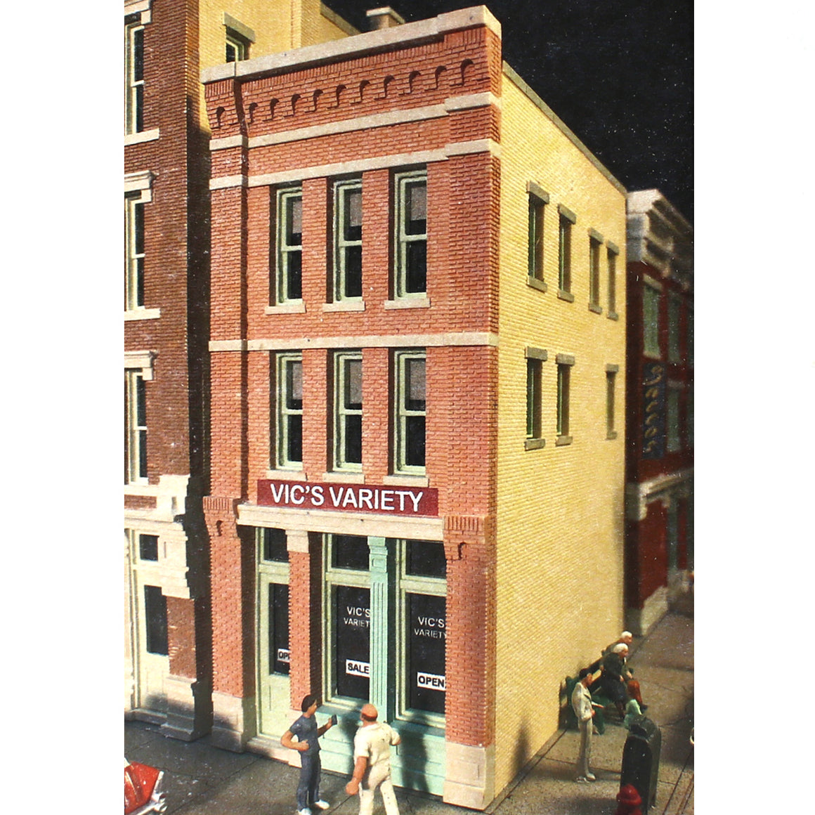 HO Scale: Vic's Variety Store - Kit