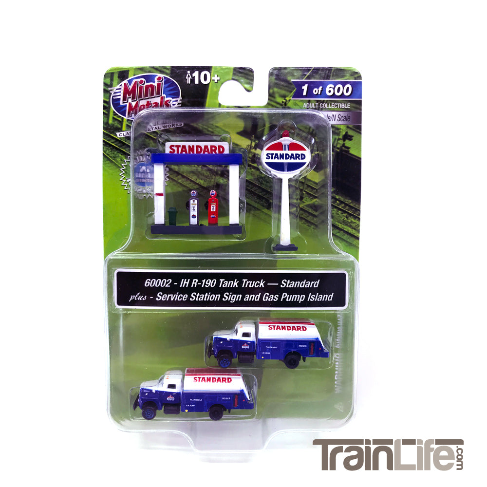 N Scale: IH R-190 Tank Truck w/ Service Station Sign and Gas Pump - Standard