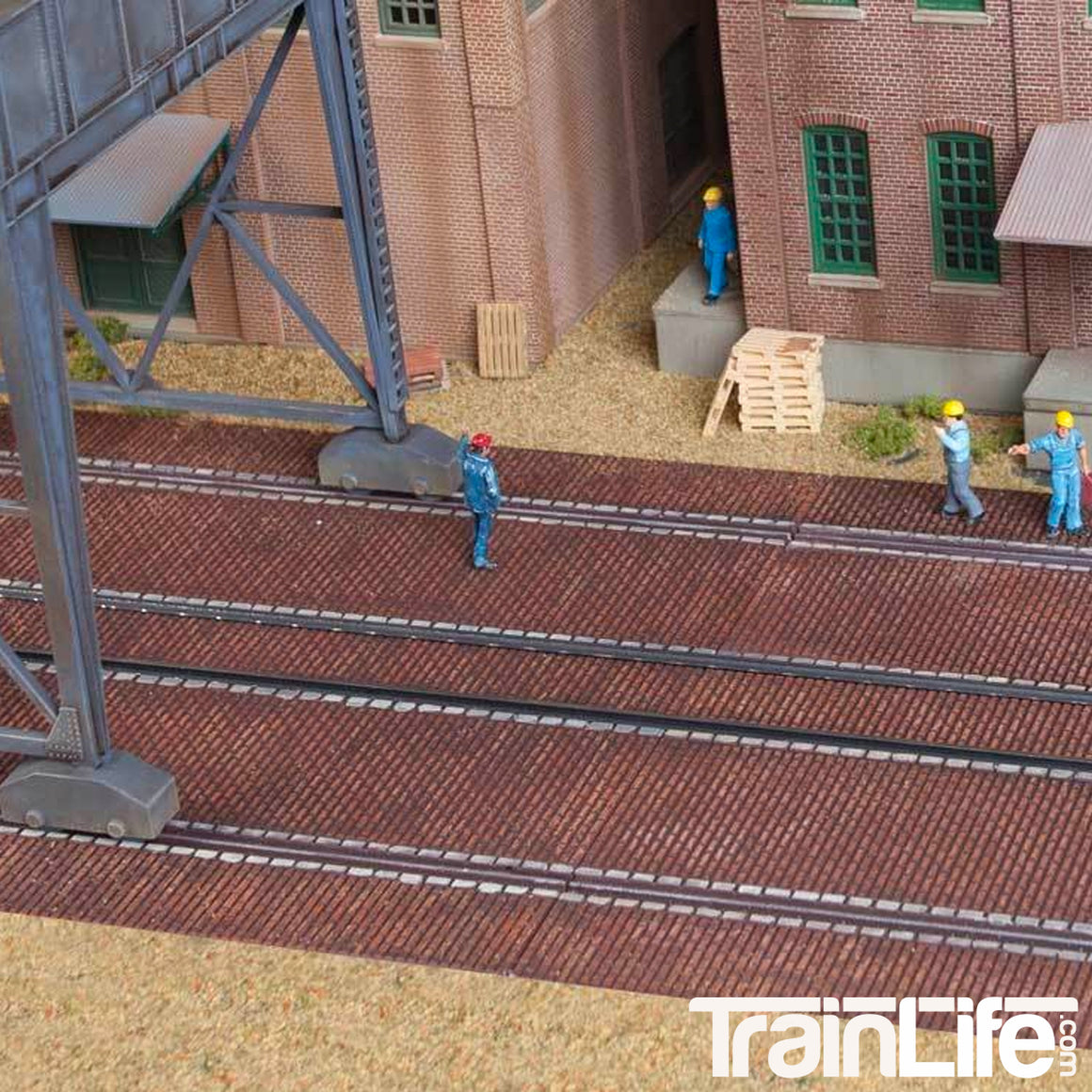 HO Scale: Brick Craneway Base and Street - 3 Pack - Kit