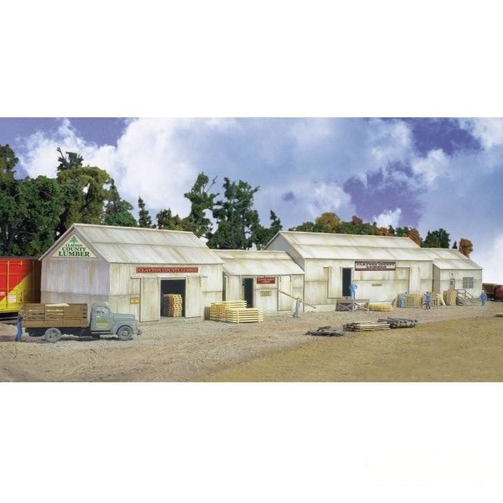 HO Scale: Clayton County Lumber - Kit