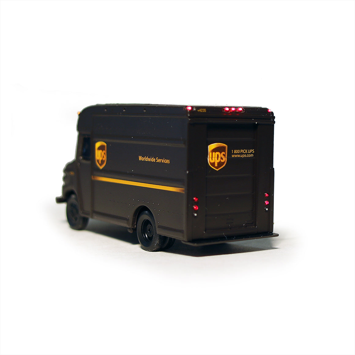 HO Scale: Lighted UPS® Package Car - 'Modern Logo'